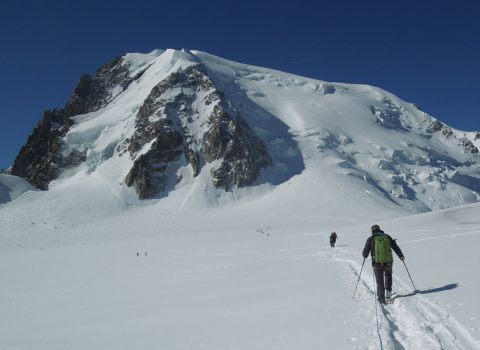 Winter mountaineering in the European Alps: Technical level 1