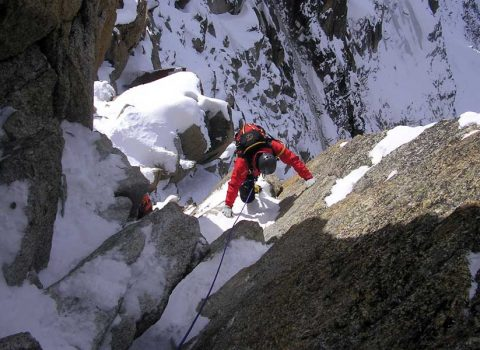 Winter mountaineering in the European Alps: technical level 5