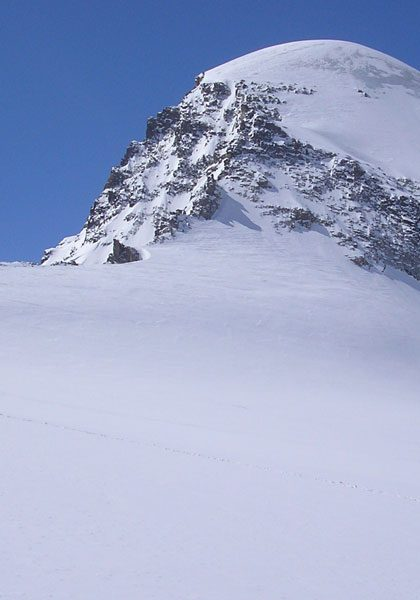 Ski mountaineering in the European Alps: technical level 5