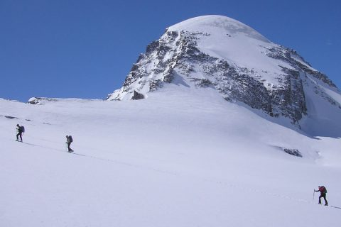 Ski mountaineering in the European Alps: technical level 5