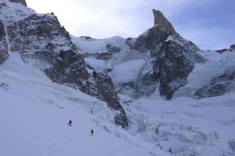 Ski mountaineering in the European Alps: technical level 6