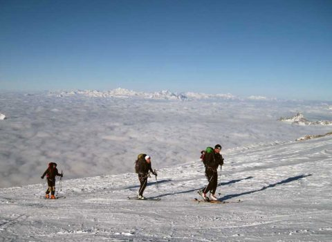 Ski mountaineering: outside off the Alps
