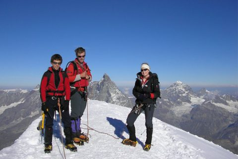 Mountaineering in the European Alps: Technical level 2
